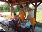 Klasowe grillowanie na nadnarwiańskich bulwarach