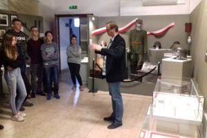 """Czytaj więcej: Lekcja muzealna związana z wystawą """"Czas wojny, czas okupacji"""""""