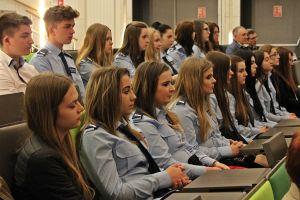 Czytaj więcej: Uczniowie z klasy policyjnej i psychopedagogicznej na debacie o bezpieczeństwie