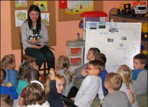 Czytaj więcej: Uczennice klasy psychopedagogicznej w przedszkolu