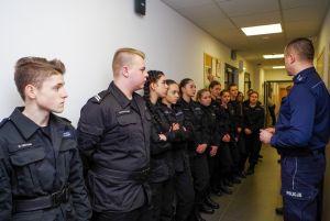 Czytaj więcej: Klasy policyjne z wizytą w Komendzie Miejskiej Policji